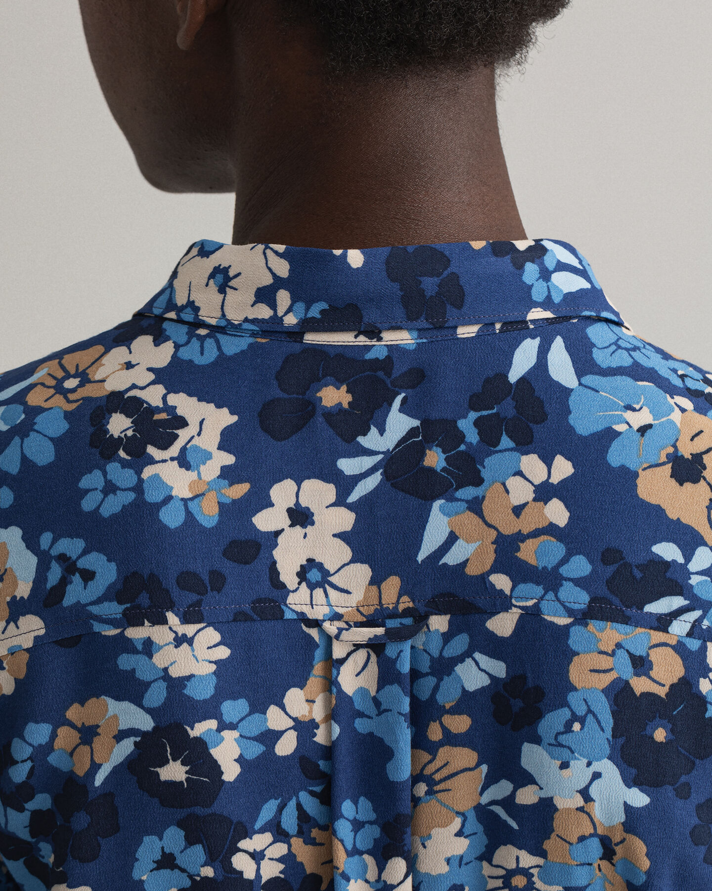 Liberation Bouquet Hemdblusenkleid mit Print
