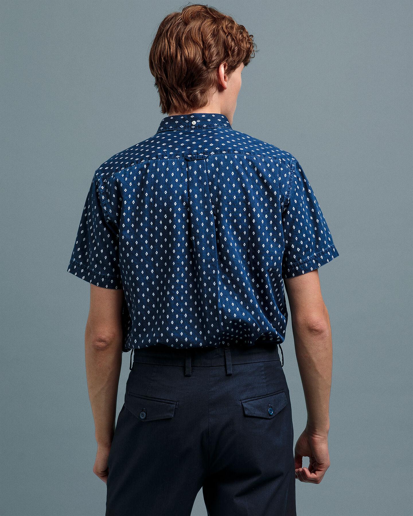 Indigoblaues Regular Fit Kurzarm Hemd mit Print