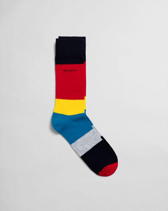 Socken im Blockfarbendesign
