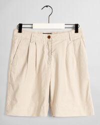 City Shorts mit hoher Bundhöhe und Bügelfalte